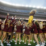 GOLDY GOPHER & CHEERLEADERS
