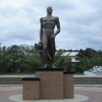 THE SPARTAN WALK & SPARTAN STATUE